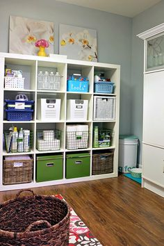 523IHeart My Home - Home Tour! this is what my 'laundry room' looks like-in my dreams!