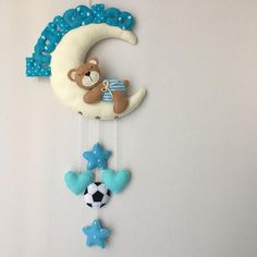 Felt Crafts, Diy And Crafts, Garrafa Diy, Felt Patterns, Baby Keepsake, Twinkle Twinkle Little Star, Girl Cakes, Stuffed Animal Patterns, Felt Toys