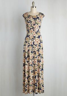 Hideaway for the Weekend Maxi Dress. To you, Friday afternoon means grabbing the essentials and heading out to relax in this floral maxi dress! #modcloth