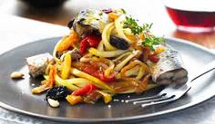 This Sardines, Sicilian-Style Pasta gives you a taste of the Mediterranean. The wine and olive oil sauce is simple and brings out each ingredient's flavour! Pasta Recipes, Cooking Recipes, Healthy Recipes, Small Meals, Fancy Meals, Best Comfort Food, Recipe Details, Sicilian, How To Cook Pasta