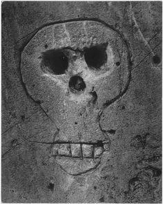 """Brassaï (dit), Halasz Gyula (1899-1984) photographie n¨VII de la série """"La Mort"""". vers 1935-1950"""