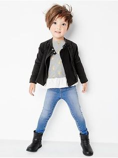 Baby Clothing: Toddler Girl Clothing: featured outfits toddler girl new arrivals Gap - Baby Hair Style Little Girls Pixie Haircuts, Baby Girl Haircuts, Little Girl Braid Hairstyles, Baby Haircut, Toddler Haircuts, Little Girl Braids, Girls Braids, Long Haircuts, Toddler Haircut Girl