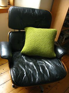 Free Knitting Pattern - Pillows, Cushions & Covers: Pea Soup Cushion