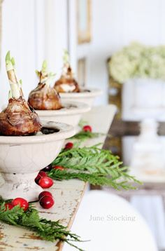 Simple, natural christmas decorations