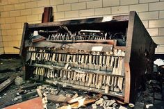 Burnt out hammond organ