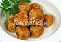 Kapustové měšce recepty - Recepty.eu Baked Potato, Cauliflower, Potatoes, Baking, Vegetables, Ethnic Recipes, Food, Self, Bread Making