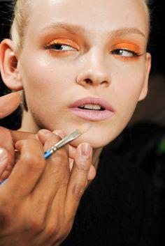 orange eye makeup nude lip - beauty inspiration for GLOWLIKEAMOFO.com