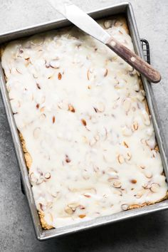 Almond Shortbread Bars ~ an easy shortbread dessert recipe infused with a homemade almond paste, and topped with a to-die-for sweet almond glaze! Shortbread Bars, Shortbread Recipes, Cookie Recipes, Dessert Recipes, Bar Recipes, Dessert Bars, Almond Recipes, Sweets Recipe, Dessert Ideas