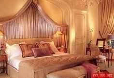 Athene hotel in Paris..this room is sooo nicee :)