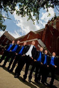 I would like kahki suits and teal/aqua vest tie for groomsmen......groom kahki suit white vest tie