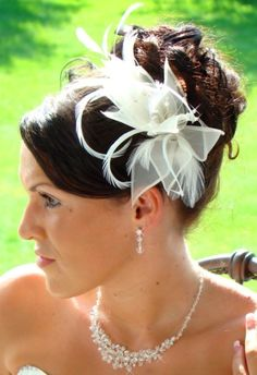 Bridal hair fascinator