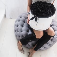 Black roses, delivered to I Am Chouquette www.publicdesire.com