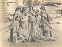FLW Chicago : Exotic Dancers at Midway Gardens 1914.
