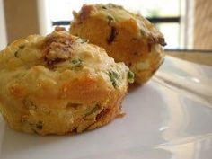 From Taste of Home April/May Anything with basil is always a winner. It especially pairs well with the salty feta and sweet peppers in these savory, biscuit-like muffins. Muffin Recipes, Baking Recipes, How To Eat Better, Roasted Peppers, Healthy Muffins, Healthy Recipes For Weight Loss, Stuffed Sweet Peppers, Appetisers, Healthy Baking