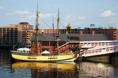 Massachusetts Points of Interest (Boston Tea Party Ships & Museum & others) Boston Vacation, Boston Travel, Boston Tourist Attractions, Boston With Kids, Uss Constitution, Boston Tea, Boston Things To Do, Fun Things, Boston Massachusetts