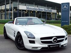 Mercedes-benz SLS AMG looks glorious in white.