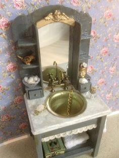 Salle de bain mini/sink, par Catherine B.