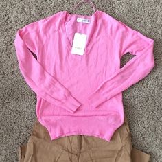 NWT Zara Bubble Gum Pink Knit Sweater new w tags, never really got the chance to wear. Pls help me clean my closet. Zara Sweaters V-Necks