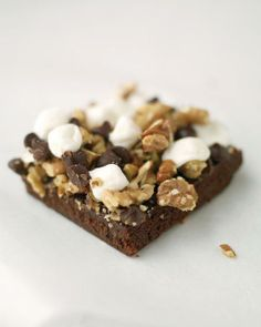 Martha Stewart's recipe for Rocky Road Bars combine marshmallows, chocolate chips, and walnuts for a sweet and spooky Halloween dessert. Rocky Road Bars, Rocky Road Brownies, Cookie Recipes, Dessert Recipes, Bar Recipes, Brownie Recipes, Recipies, Toffee Bars, Martha Stewart Recipes