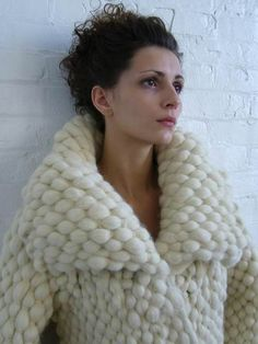 thick-knit: fuzzyfindings: Copyright © Valerie Ferus 2010 I love the thickness on this coat - awesome design!!!