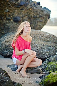 Laguna Beach senior photography at sunset Senior Portraits Girl, Senior Photos Girls, Portrait Poses, Beach Senior Photography, Fashion Photography Poses, Family Photography, Girls Short Dresses, Barefoot Girls, Teen Pictures