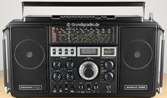 Grundig Satellit World Receiver Radio