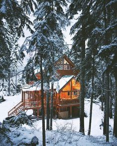 The log cabin at the top of Stevens Pass, Washington #stayandwander