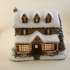 "Thomas Kinkade's Hawthorne Village Lighted Christmas Shop ""From The Heart Gifts"""