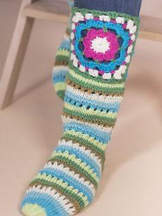 Sophian iloiset villasukat Marshmallow, Slippers, Socks, Fashion, Carnavals, Threading, Moda, Fashion Styles, Marshmallows