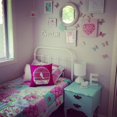 Little girls room decor - I like the wall behind the bed