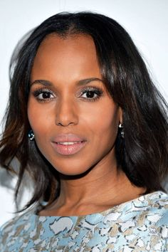 How to get Kerry Washingtons silver eyeliner look. Wedding Hair And Makeup, Hair Makeup, Eye Makeup, Up Hairstyles, Pretty Hairstyles, Beauty Secrets, Beauty Hacks, Beauty Tips, Silver Eyeliner