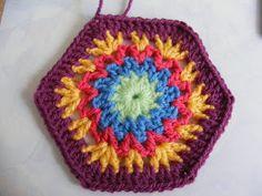 Nameless hexagon has a name! (PATTERN) ... http://pinkfluffywarrior-pinkfluffywarrior.blogspot.com/2011/02/nameless-hexagon-has-name-pattern.html