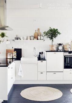 _DSC1810 Kitchen Ideas, Kitchen Island, Storage, Furniture, Lifestyle, Home Decor, Island Kitchen, Purse Storage, Decoration Home
