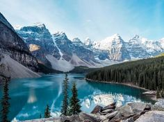 5 SPOTS IN ALBERTA THAT WILL BLOW YOUR MIND (near Banff).    Moraine Lake in Banff National Park