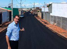 Renato Andrade visita obras em Passos http://www.passosmgonline.com/index.php/2014-01-22-23-07-47/geral/10497-renato-andrade-visita-obras-em-passos