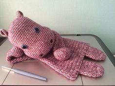 Nijlpaard Hippo 30 cm, 109 gr, haak 3,5 en 11 u werktijd. Ontwerp: Sascha Blase - Van Wagtendonk