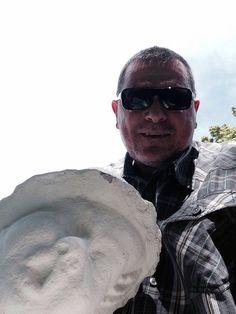 #selfie  #zimmermannpark #zirndorf Auf dem Weg zum Wählen..!! Noch schnell ein Foto mit meinem weißen stummen Freund hier im Park.