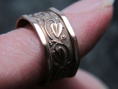 $115 9K Victorian antique carved leaves & vines ROSE GOLD WEDDING BAND US size 6 ring