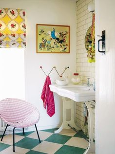 The Armchair Neat Freak : In The Bathroom
