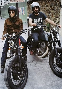 BLITZ motorcycles! I am so gonna visit Fred and Hugo in their garage when I go to Paris.
