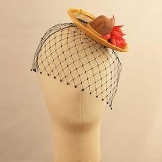 MORENA mini sombrero in golden hay sinamay with black gem