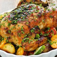 Veckans middagstips: hel kyckling med potatis och yoghurtsås