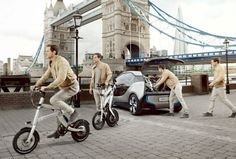 Un coche eléctrico con su correspondiente bicicleta para moverse por la ciudad. Un canto a la sostenibilidad de la mano de BMW.
