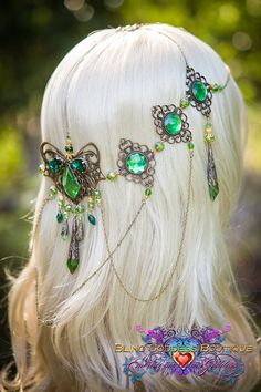 Etsy の Emerald Goddess Circlet by BlingGoddessBoutique Headpiece Jewelry, Hair Jewelry, Pagan Wedding, Fairy Clothes, Circlet, Fantasy Jewelry, Hair Ornaments, Bridal Headpieces, Emerald