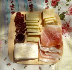 'Tis the season! #Picnic in the park, anyone? #cheese #charcuterie #prosciutto #saucisson #jam