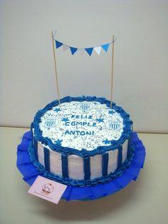 #Torta de #merengue de #alianzalima para el #cumpleaños de Antoni. Gracias Cynthia!! Sabor: vainilla con chispas de chocolate, pecanas, pasas y manjar.