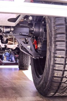 The portal axles lift the G500 body, increasing ground clearance and fording capability