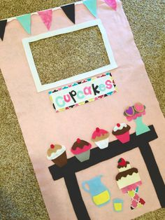 Imagination takes the stage with this adorable cupcake shop! Hang it in any doorway and watch your kids dazzle as they play make-believe in their