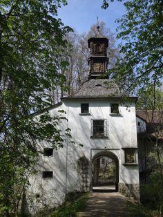 Turm Berg, Mansions, House Styles, Home Decor, Cats, Decoration Home, Manor Houses, Room Decor, Villas