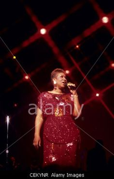 Download this stock image: ATLANTIC CITY, NJ - MAY 27: Singer Aretha Franklin performing at a casino in Atlantic City, New Jersey on May 27, 1989. - CEKYNR from Alamy's library of millions of high resolution stock photos, Stock Photo, illustrations and vectors.